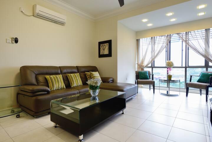 Clean n Cosy8 condominium