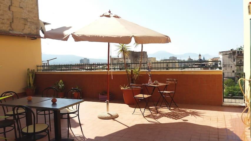Rifugio discreto al centro di Napoli.