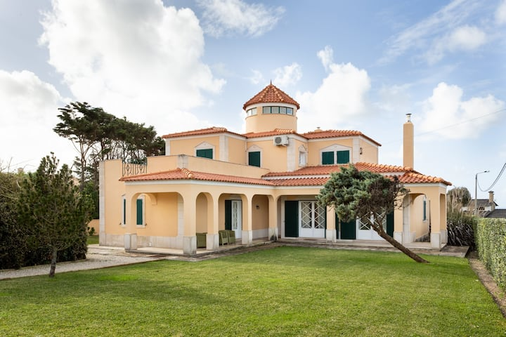 ALTIDO Splendid 4-BR House w/Swimming Pool & Sea View