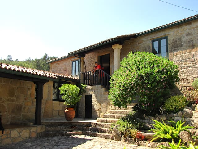 Casa Fontenla - Campo Lameiro - Dom