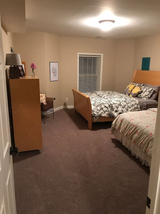 Large private bedroom with 2 Beds (Queen & Full)