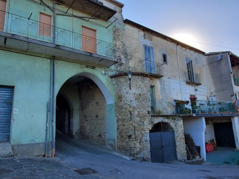 Dom w rustykalnym San Mango Cilento