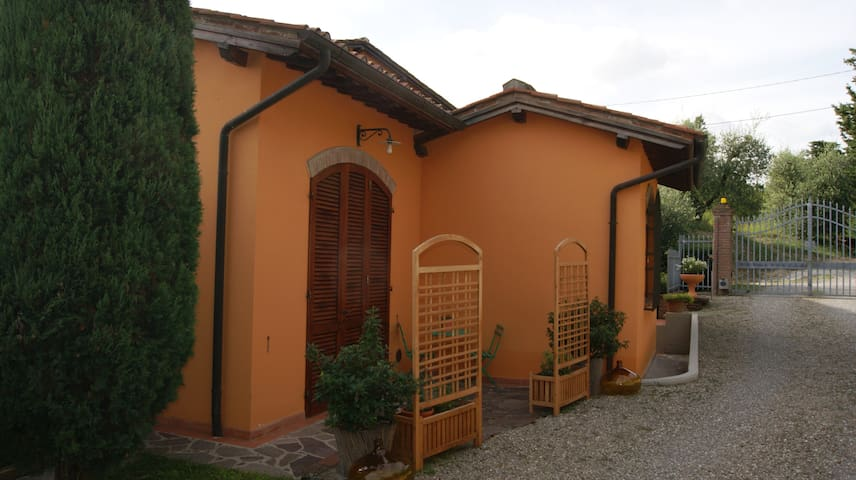Tipica casa rustica toscana