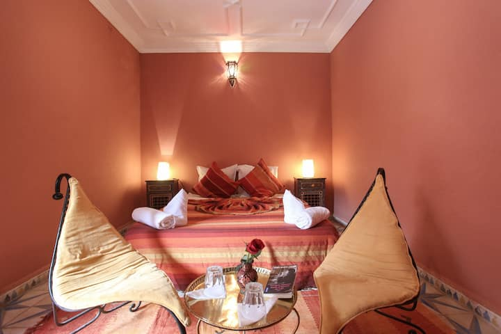 **Lovely and quiete room**