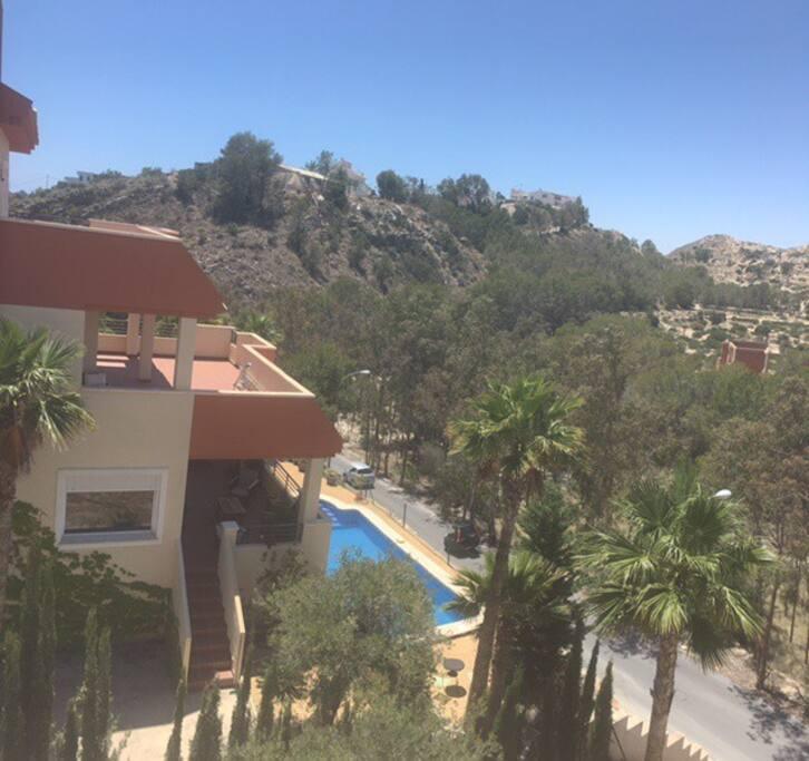chalet con piscina privado en coveta fuma villas louer el campello comunidad valenciana. Black Bedroom Furniture Sets. Home Design Ideas