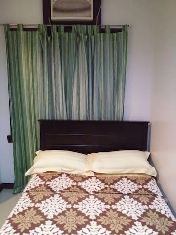 1 Private room (Semi double bed) - Biñan - บ้าน