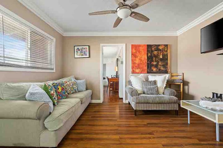 DOWNTOWN LONG BEACH 1000SGFT ENTIRE HOME FOR Y