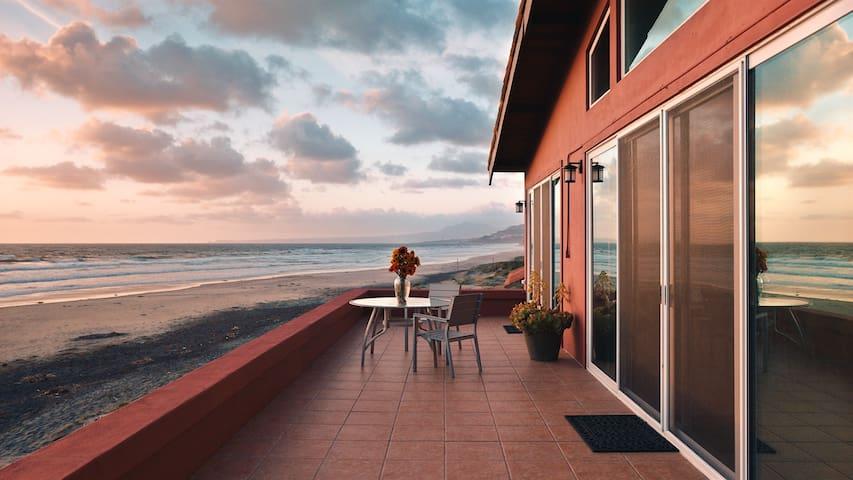 Casa De Gracia - Entire Ocean Front Villa