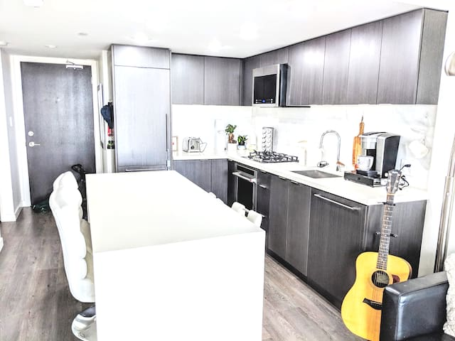 Beautifully furnished and pet friendly condo