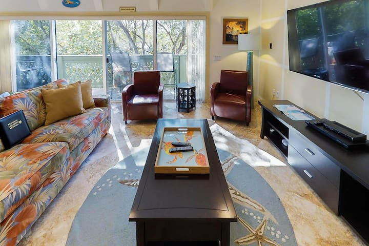 Sprawling Condo W Ocean Views Dock Amp Shared Pool