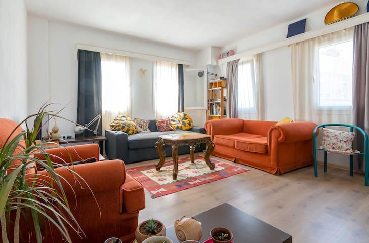 GÜMÜŞLÜKTE SAHİLE YAKIN GENİŞ BALKONLU EV - Gümüşlük Belediyesi - Apartment