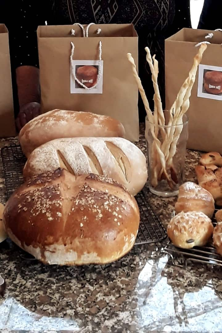 Bloomers Buns  & Twisty Grissini