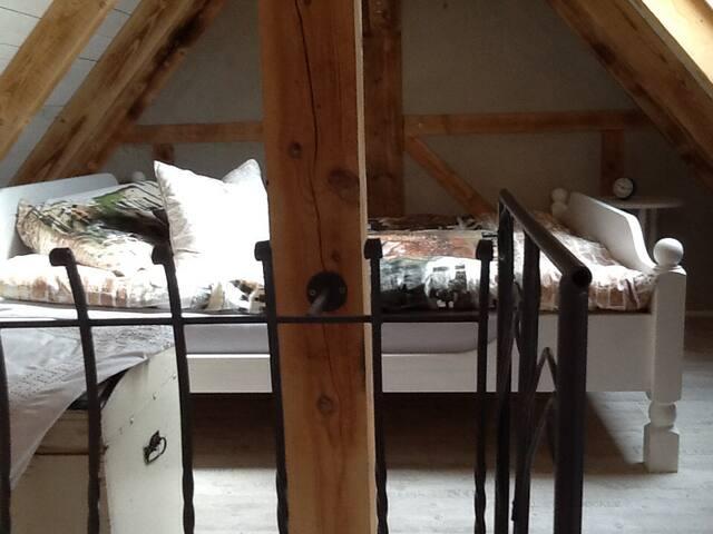 offenes Schlafzimmer in der Galerie