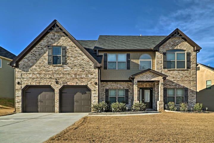 NEW! 4BR Lithonia House - 25 Mins from Atlanta!