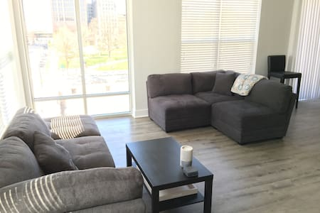 Mass Ave's Finest - Indianapolis - Apartment