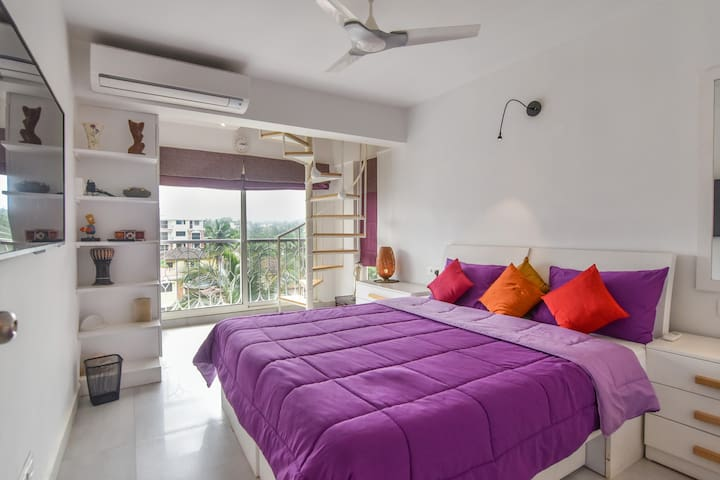 Artsy Luxury Penthouse in Candolim