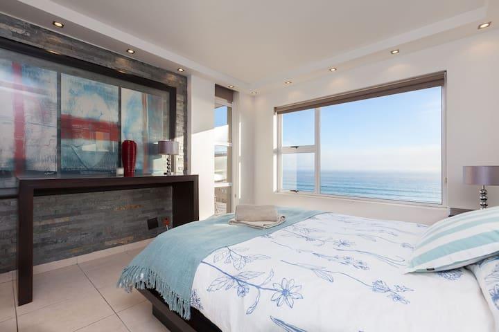 ⭐⭐⭐⭐⭐WOW views,3 balconies | Beachfront,3 Bedrooms