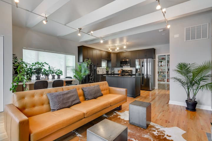 Division St Designer Home in Heart of Wicker Park