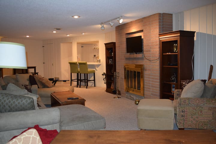 Huge & cozy close to DT, Lk Minnetonka & MOA - Minnetonka - Apartament