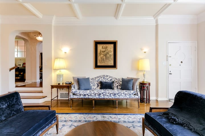 Stay in a Spanish Revival Apartment Near LACMA