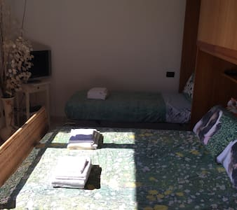 Triple room in villa near Gaggiano - Vigano