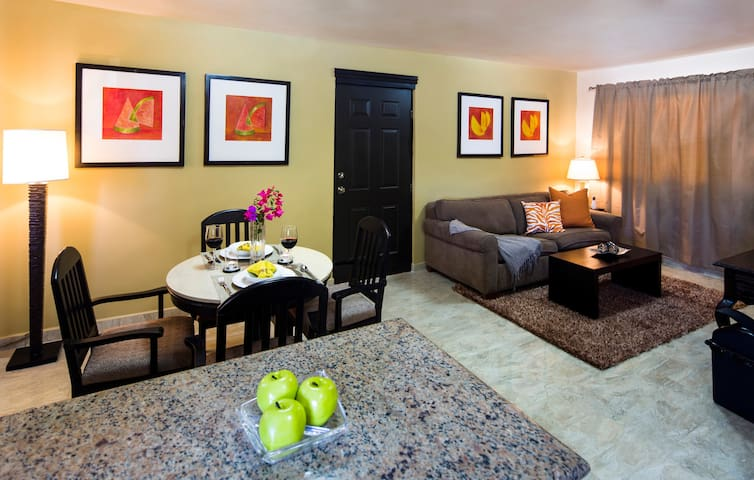 Beautiful 1 BD condo, at the heart of Cabo.