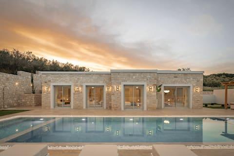 Ayali Villa, a divine luxury homestay!