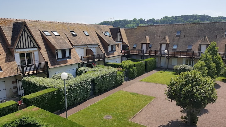 Large 4-room apartment in Deauville