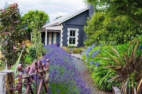 Blueridge Cottage