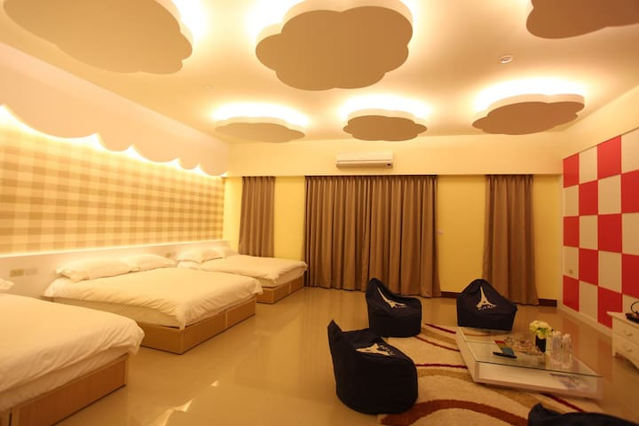 HERA 赫拉民宿 鄰近東港夜市 電梯家庭套房 - Donggang Township - Bed & Breakfast