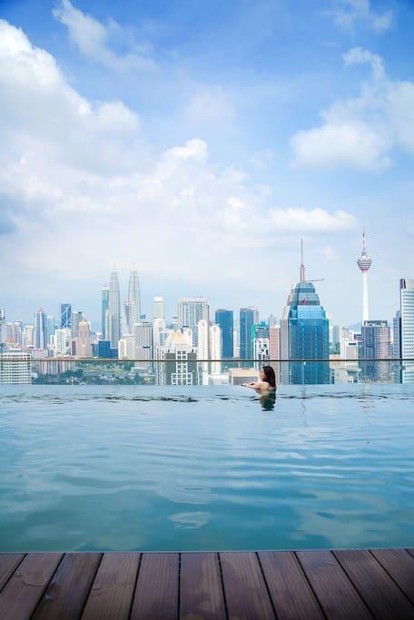 Infinity Kuala Lumpur rooftop Pool View 无边吉隆坡全景顶楼泳池