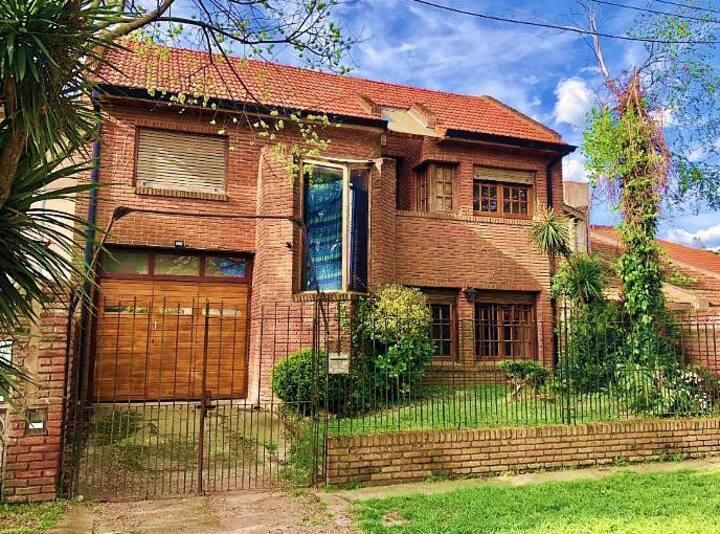 Hermosa Casa barrio Los Pinares. A cuadras del Mar