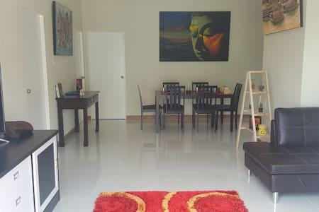 San Sai Sabai.  The comfy house. - Tambon San Sai Luang