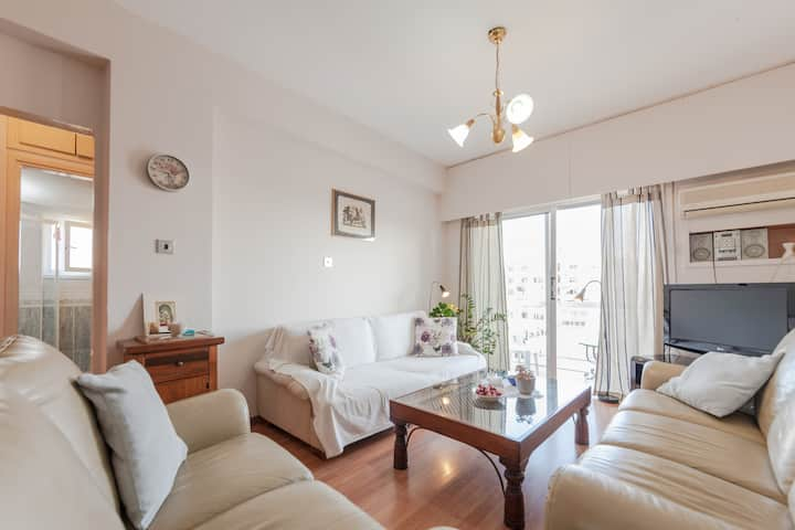 """""""ALL YOU NEED"""", in  2 bdr. central apartment"""