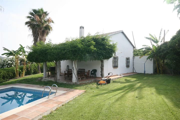 Pretty Detached Country Finca, pool - Coín - House