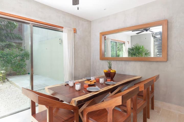 Stunning 2BR 6 PAX Apartment! WiFi 150mbps