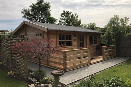 Cosy Log Cabin near historic Chester