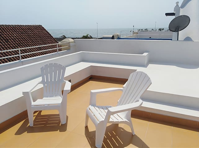 Ocean in front,Flat for 6 people,AC, WIFI