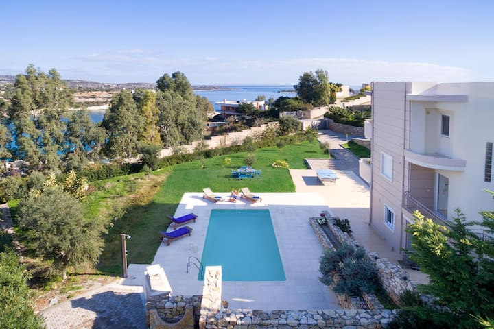 Star Villas, 100m from Loutraki Beach, Akrotiri - Loutraki - Vila