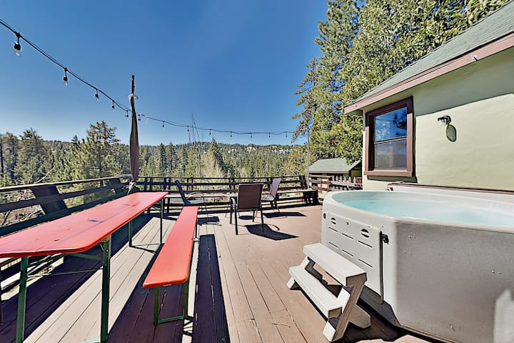 Incredible Restored Vintage Cabin w/ Hot Tub