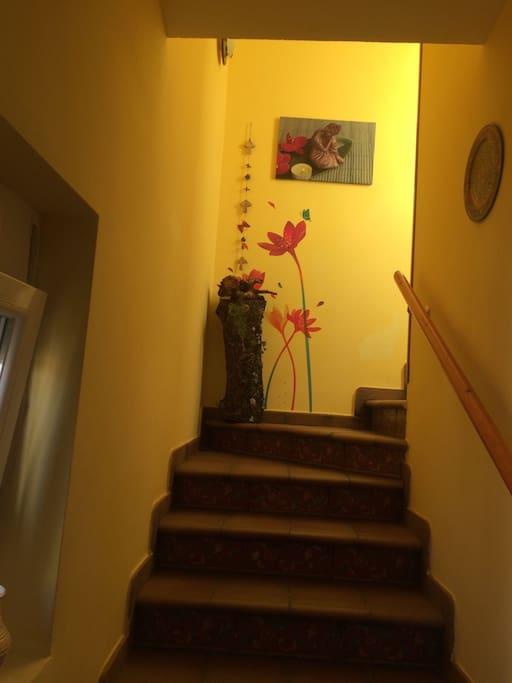 Escaleras (subida a vivienda)