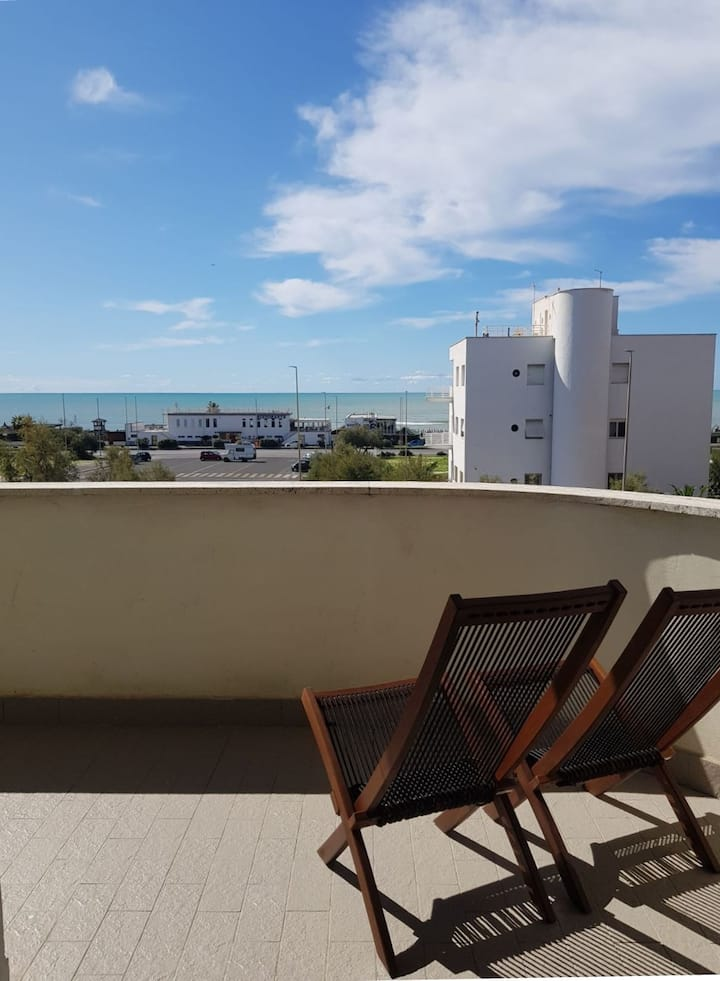 Sea View, 2 Minutes from the Beach and Near Metro