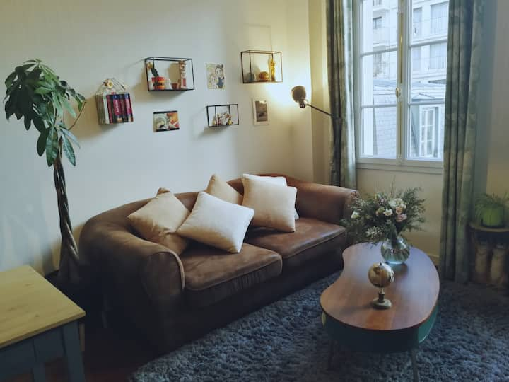 charming apartment in a quiet street in Charonne