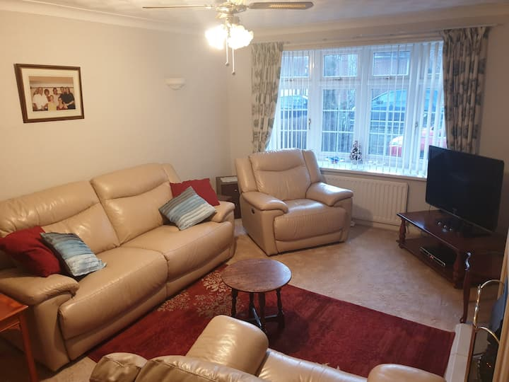 1 Double Room w/ Lounge, Shower Room