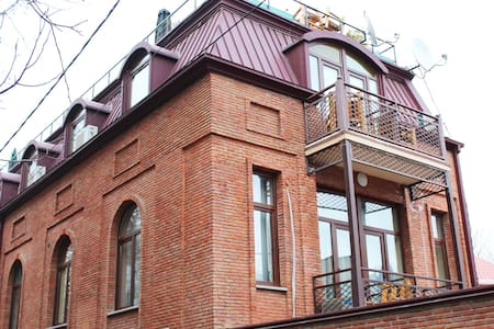 Old Tbilisi - central, friendly and cosy hotel! - Tbilisi