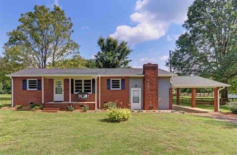 2 bedroom residential home on an acre!