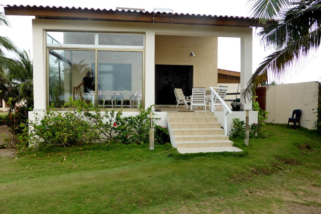 Villa enti re 2 chambres bord de mer grand popo villas for Chambre entiere