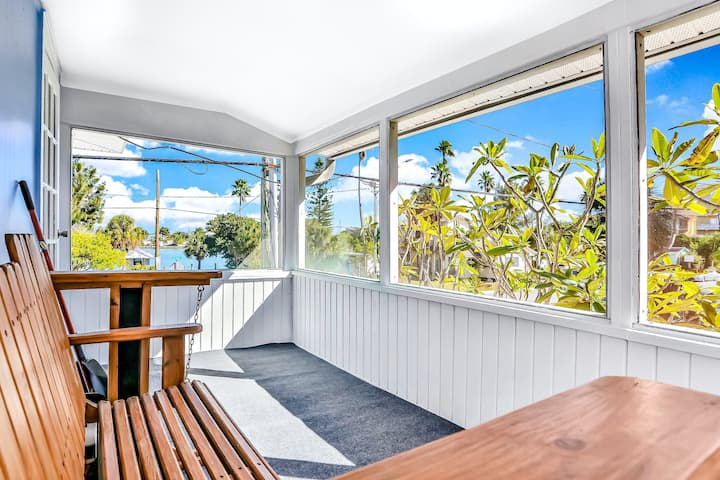 Snowbird-Friendly, Oceanfront Condo with High-Speed WiFi and Private Lanai!