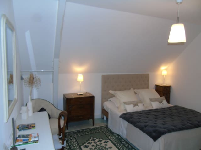 Superior Double Room with Ensuite Bathroom B&B