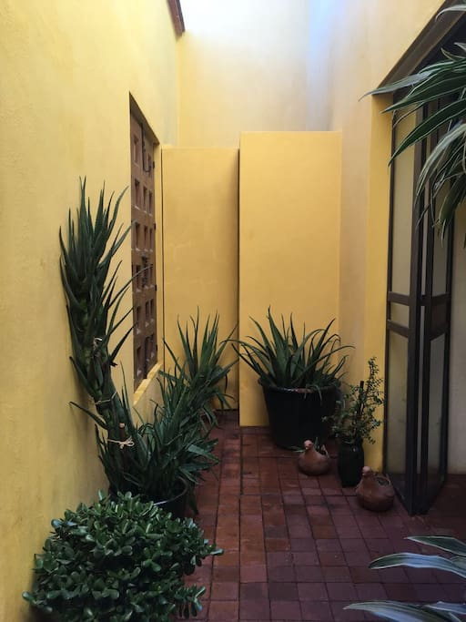 Dream artisanal house in unique location - Entrance patio